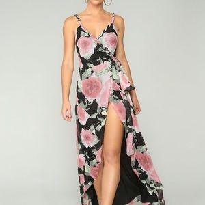 Fashion Nova happy thoughts floral maxi dress NWT